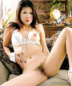 Nude Asian Housewife