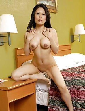 Nude Asian Flexy