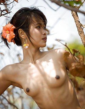 Nude Taiwan Girls